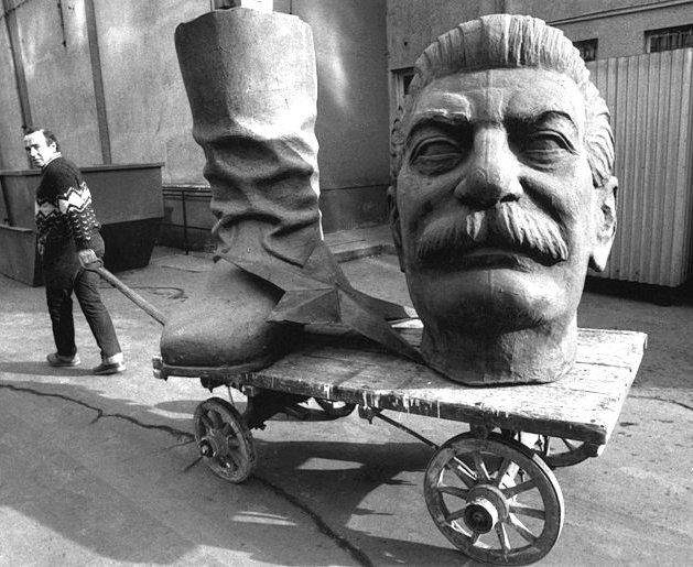 Чехи отправят на переплавку Иосифа Сталина