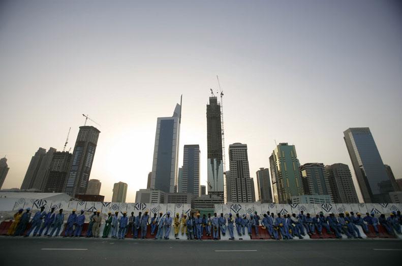 Жизнь гастарбайтеров в неолиберально-феодальных ОАЭ