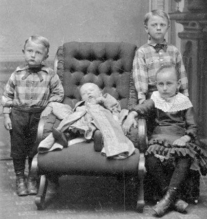 С широко открытыми глазами: викторианские посмертные фото