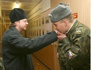 Российская армия страдает от религии и мракобесия
