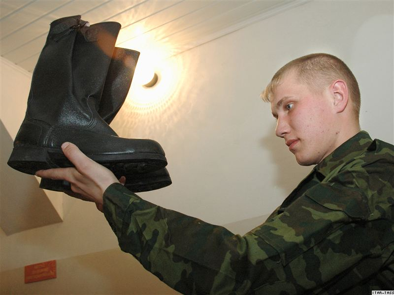 Кто и как служит в армии России
