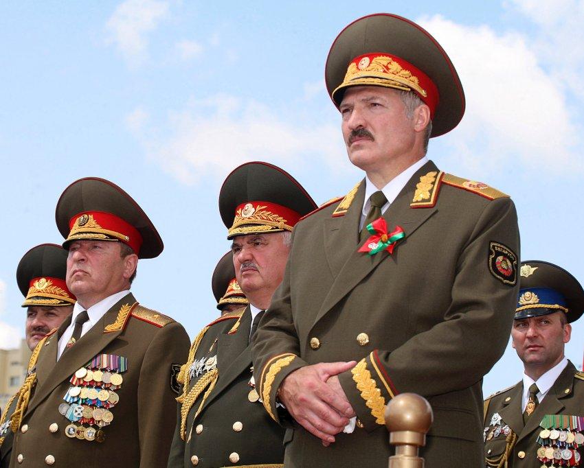 Домашний терроризм батьки Лукашенко
