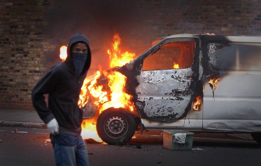 Фото недели: погромы в Великобритании