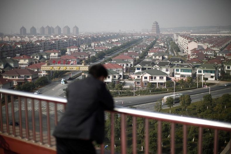 Зачем китай строит города призраки