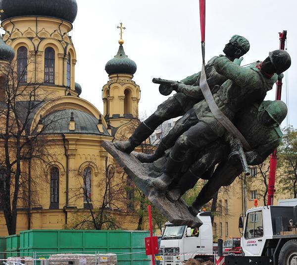 Памятники вов в россии to надгробные памятники надгробные из гранита фото хаванское кладбище