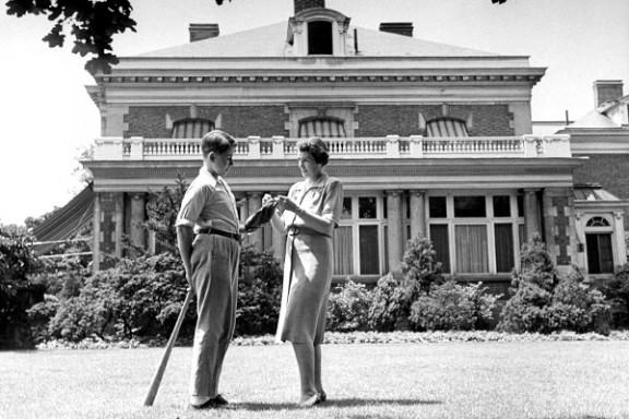 В США губернаторы отказываются от своих резиденций