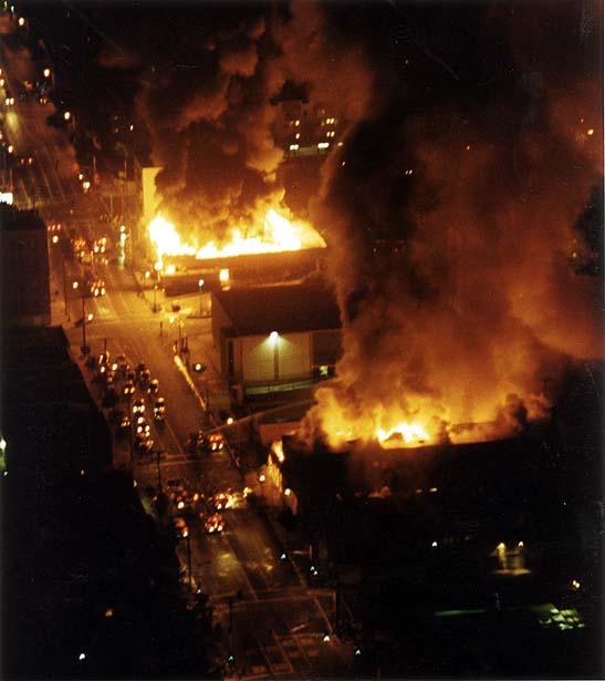 Город запылал. На этих фото видны пожары в Лос-Анджелесе: