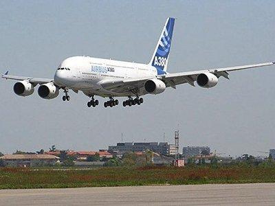 Emirates будет выполнять рейсы в Бангкок и Торонто на Airbus A380.