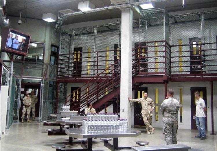 Жизнь исламистов в американской тюрьме Гуантанамо
