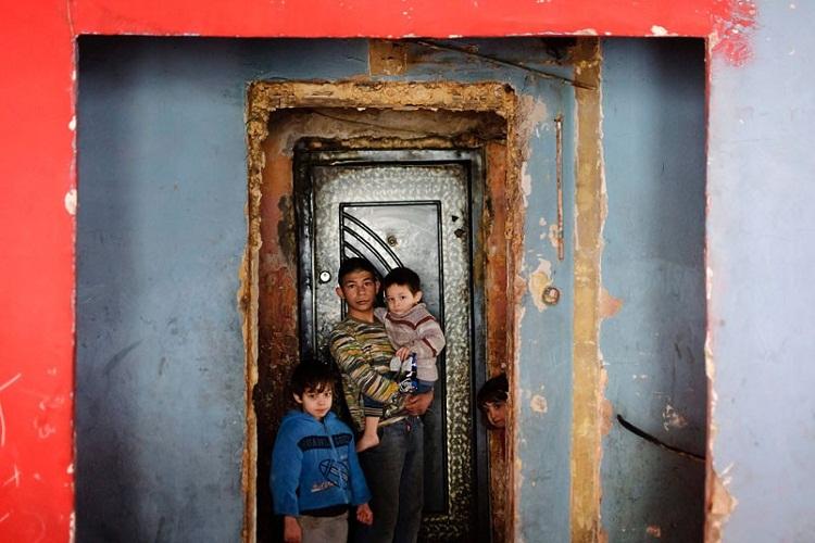 Как выглядят трущобы румынских цыган