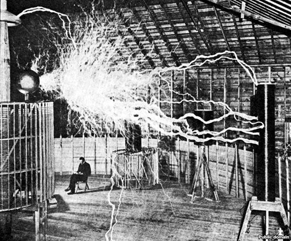 Электромагнитное оружие относится к разряду стратегических, то есть к такому виду оружия, которое способно влиять...