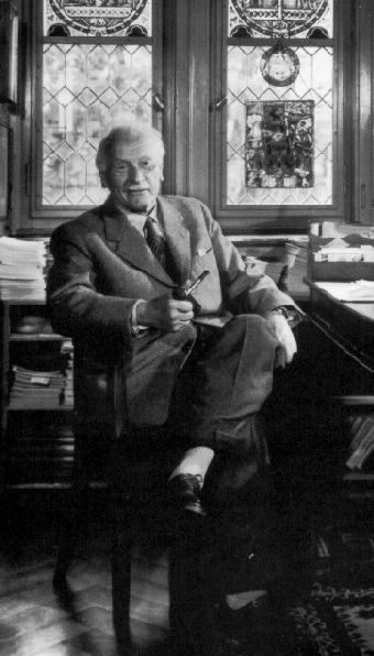 Юнг: Единственное лечение Гитлера – послать его на Восток
