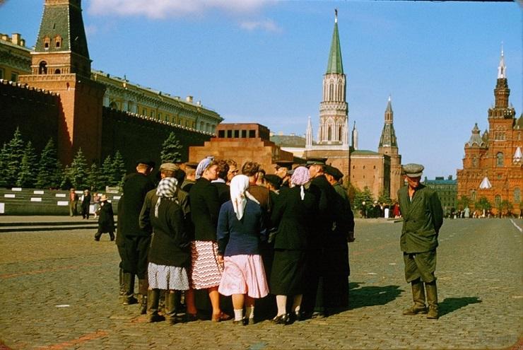 Какими увидел советских людей французский разведчик в 1957 году