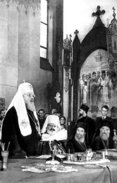Как Сталин в конце 1940-х решил бороться с папой римским и католицизмом