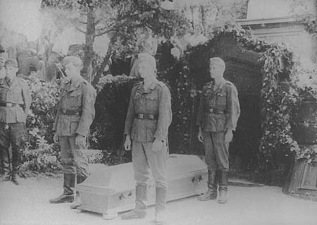 Как немцы перезахоронили в Крыму в 1942 году русских героев Севастополя %D1%82%D0%BE%D1%82%D0%BB%D0%B5%D0%B1%D0%B5%D0%BD-3