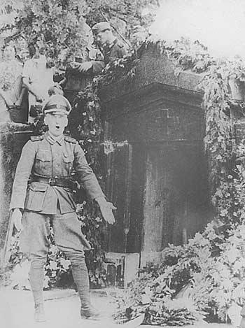 Как немцы перезахоронили в Крыму в 1942 году русских героев Севастополя %D1%82%D0%BE%D1%82%D0%BB%D0%B5%D0%B1%D0%B5%D0%BD-4