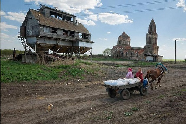В российскую деревню готов переселиться лишь 1 млн. горожан