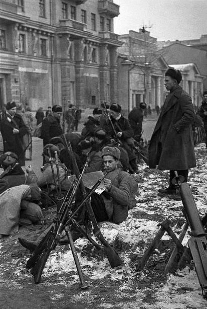 1941 год: «Одна винтовка на троих»