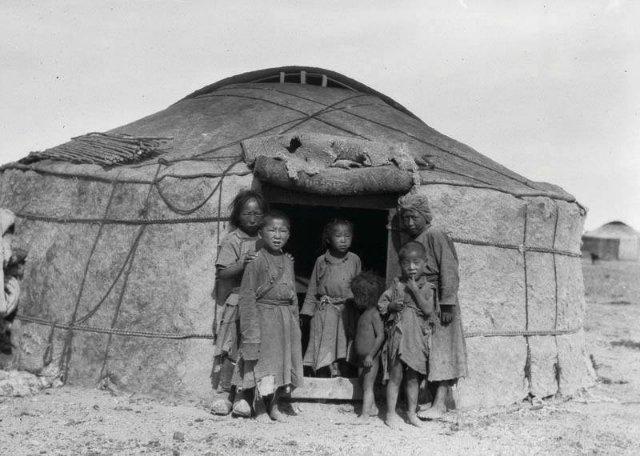 Как русские и немецкие врачи в 1920-е спасли бурятов от вымирания от сифилиса